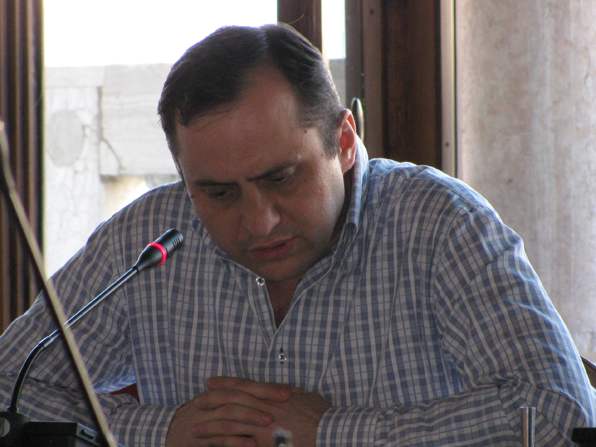 Dr. Daniel Cain